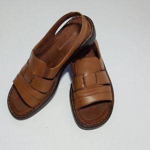 Naturalizer Brown Leather Slip on Sandal Women's 6